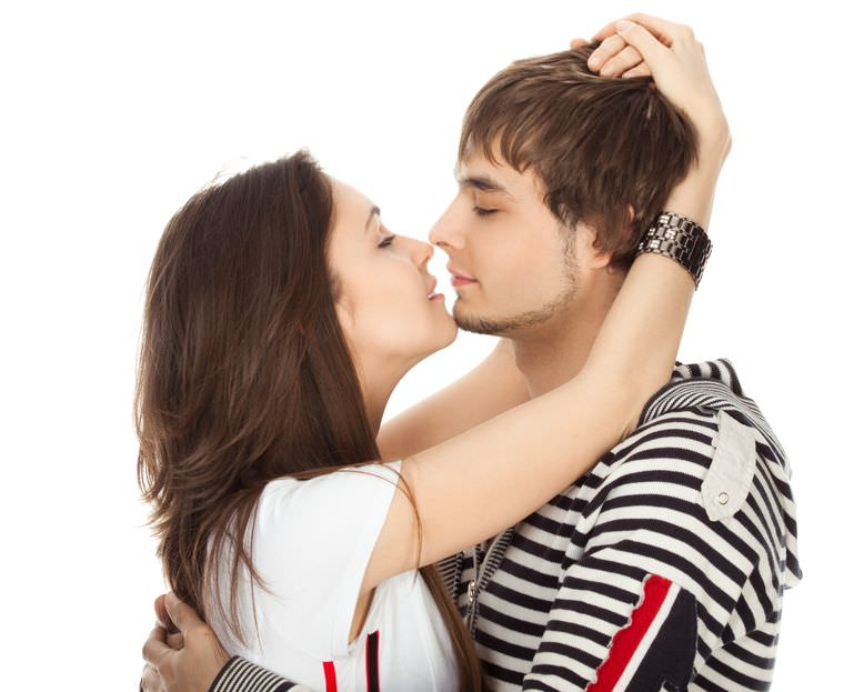 How to kiss a girl without dating