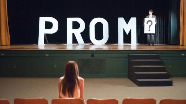 How do i ask a girl  out to the prom