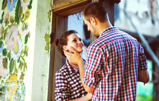How to tell if a girl likes you in online dating