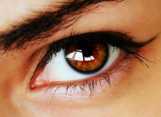 How to change your eye color?