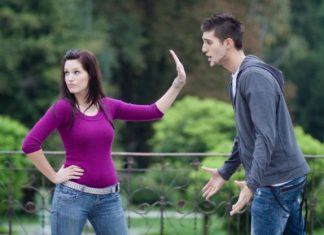 How to Deal with Your Girlfriend Ignoring You