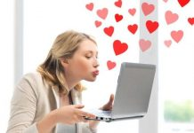 How to Tell if a Boy Likes You on The Internet