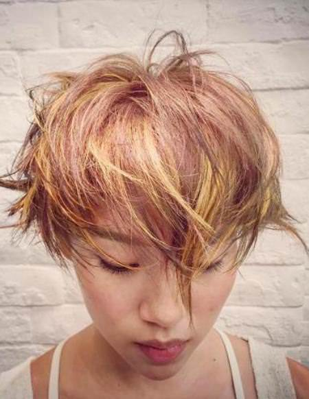 A real rose gold best short hair with highlights