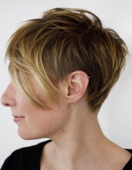 feathered pixie with undercut best short hair with highlights
