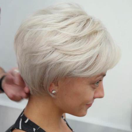 white blonde bob short hairstyles for fine hair