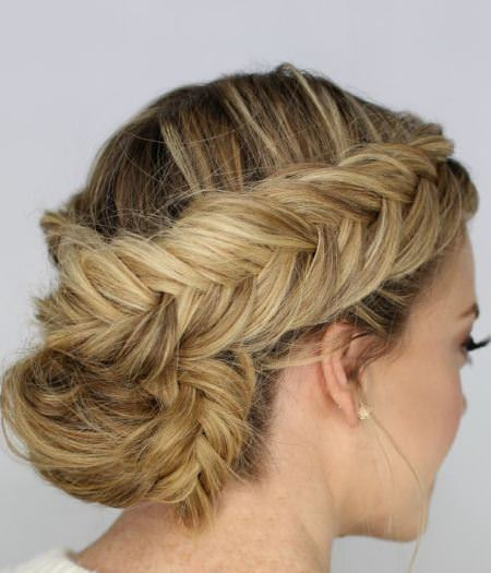 how to make a low bun with braiding hair