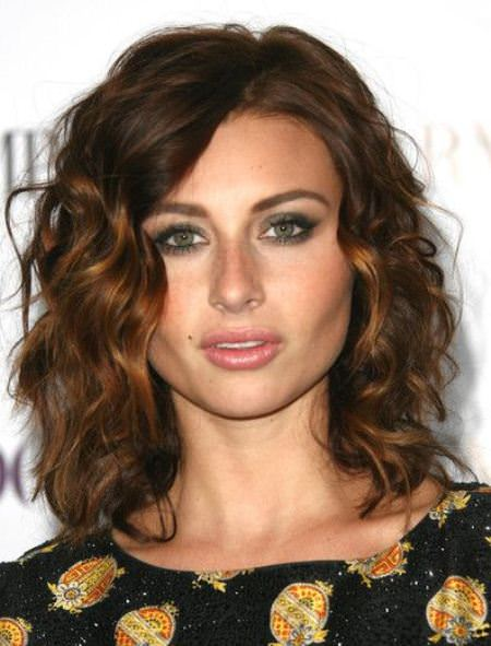 shoulder length brunette hair style curly hair