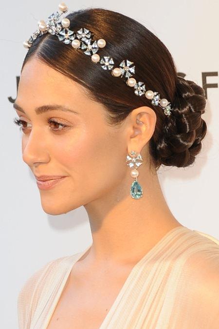 sleek bun with jewelled headband hairstyles