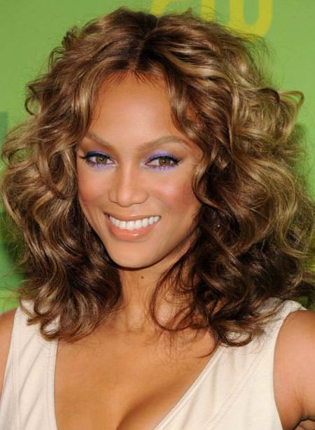 wavy tight curls hairstyles for teenage girls